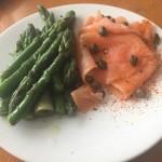 No-Beigals-smoked-salmon-asparagus-brekkie